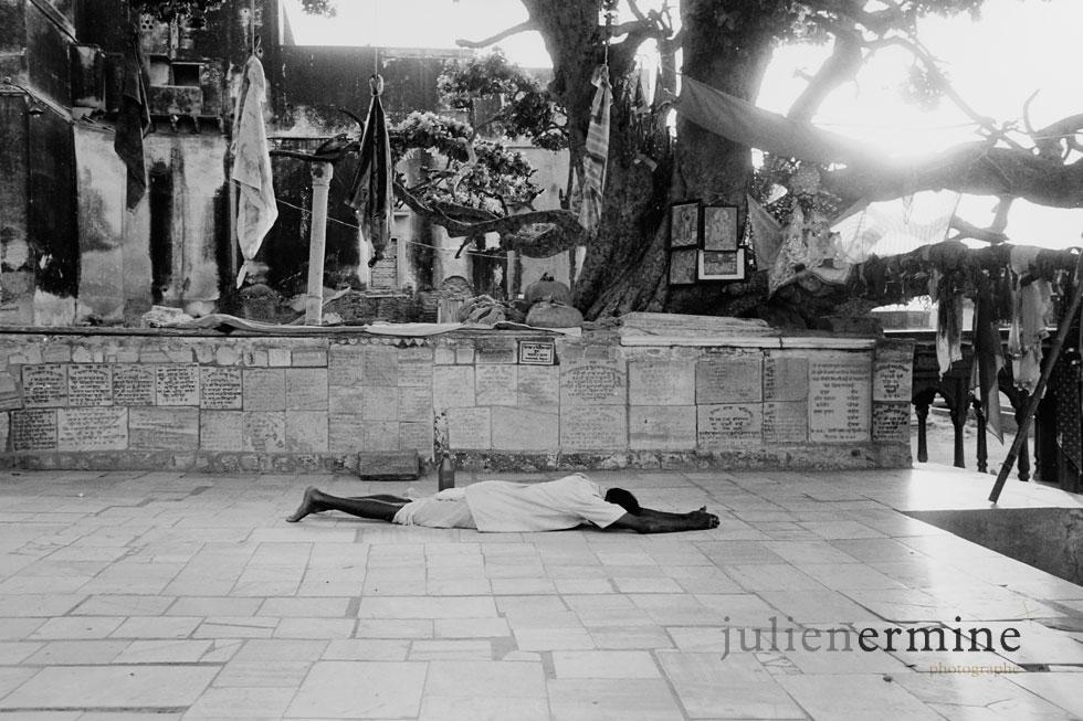 BodhGaya... lieux saint du Bouddhisme. C'est ici que Siddhartha Gautama a reçu l'éveil, et est ainsi devenu le buddha .