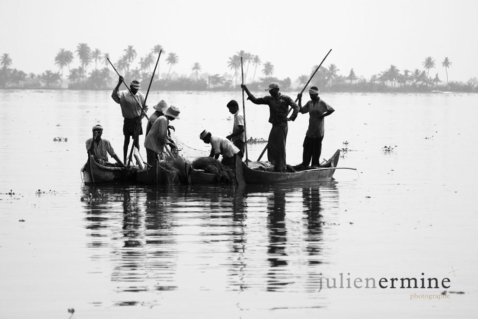 séance de pêche, Backwaters, Kerala, Inde