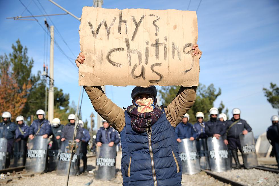 Les migrants bloqués manifestent quasi quotidiennement dans l'espoir d'améliorer leur situation. Cela leur permet de continuer de lutter malgré les difficultés nombreuses.