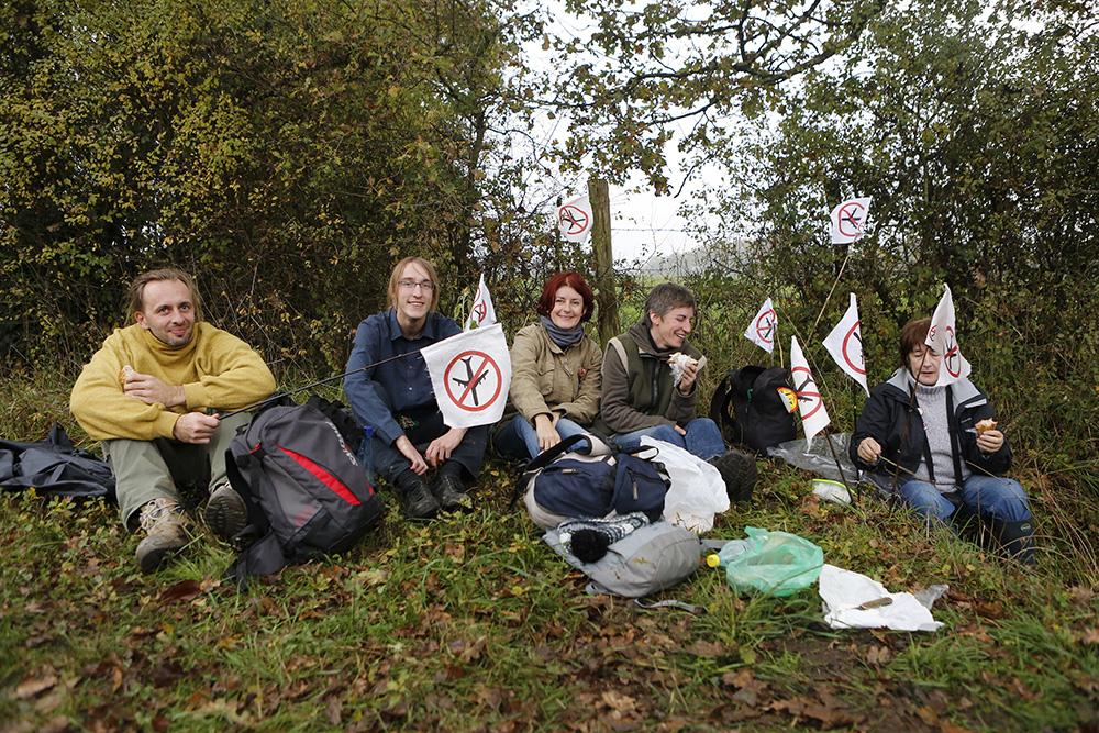 Les manifestants viennent de partout soutenir la cause de notre dame des landes. Ils sont nombreux à venir passer une journée entre amis ou en famille.